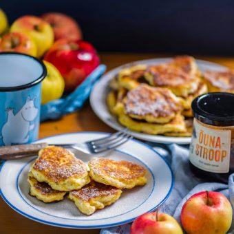 Kohevad õunapannkoogid jogurti ja speltajahuga
